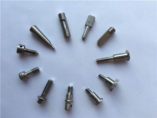 Subministrament de fàbrica de peces de tornejat de cnc: peces d'aliatge de titani